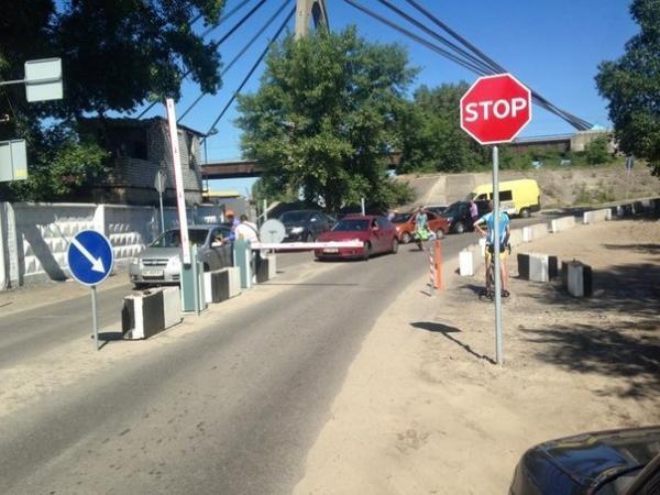В Киеве организован платный въезд автомобилей на Труханов остров