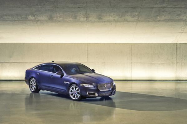 Jaguar XJ: повторное обновление