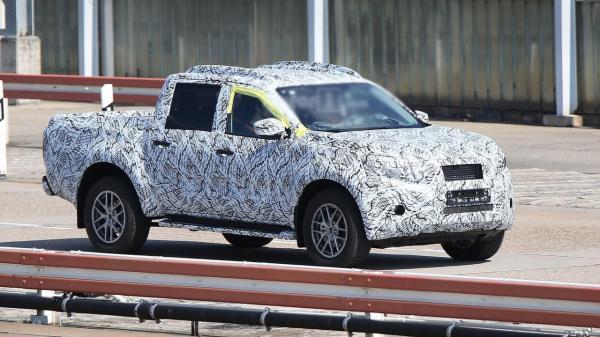 Пикап Mercedes-Benz проходит тесты