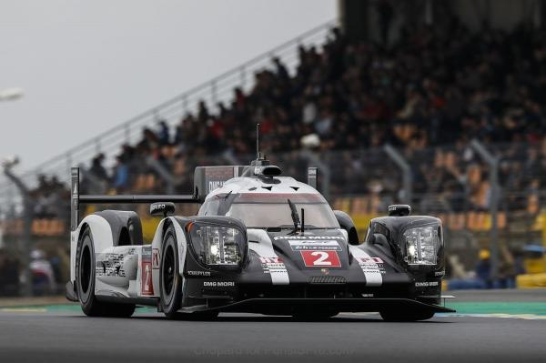 Porsche 919 Hybrid вырвался на первое место за 3 минуты до конца гонки