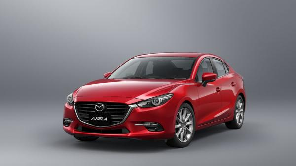 Mazda 3 слегка обновлен