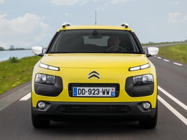 Citroen C4 Cactus, Renault Captur и SsangYong Tivoli: почти вседорожники
