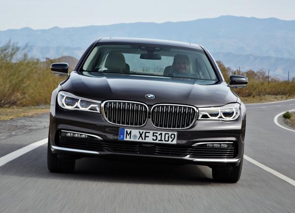 BMW 7 Series, Jaguar XJ и Mercedes-Benz S-Class: по высшему разряду