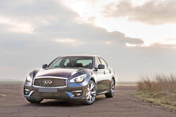 Infiniti Q70, Lexus GS350 и Volvo S90: разные концепции седана бизнес-класса