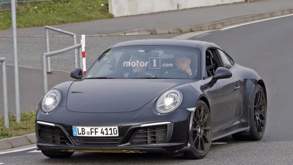 Новый Porsche 911 замечен на тестах