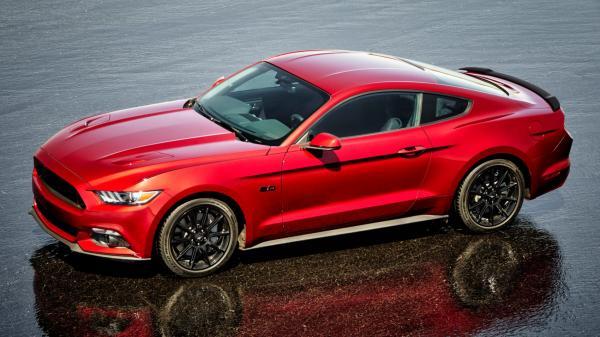 Ford Mustang станет гибридом