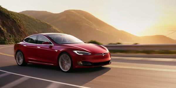 Электромобиль Tesla Model S установил мировой рекорд разгона