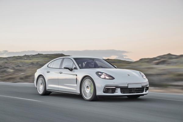 Porsche Panamera 4 E-Hybrid: скоростной гибрид