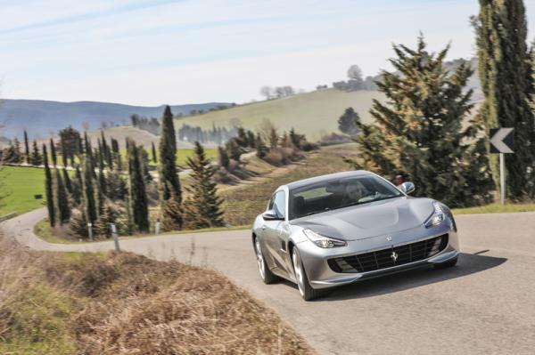 Ferrari GTC4 Lusso T: туристическое купе по-итальянски