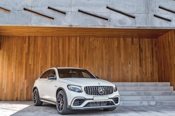 Mercedes-AMG GLC63: вседорожник с динамикой спорткупе