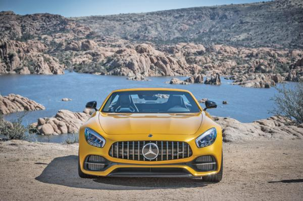 Mercedes-AMG GT Roadster: элегантный  спортсмен