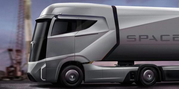 Tesla представит первую грузовую модель