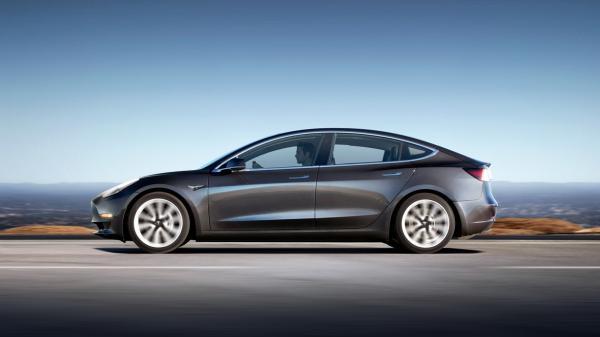 В США стартовали продажи Tesla Model 3