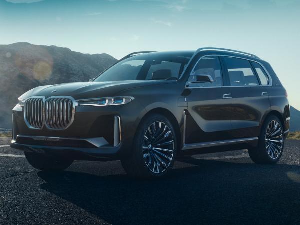 BMW представили концепт флагманского вседорожника