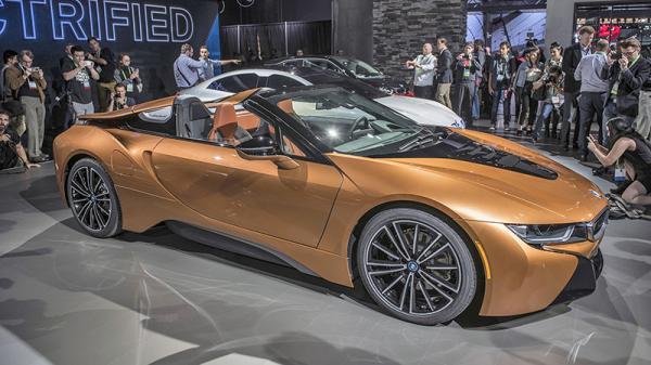 Лос-Анджелесский автосалон-2017: спортивные автомобили против вседорожников (Часть 1)