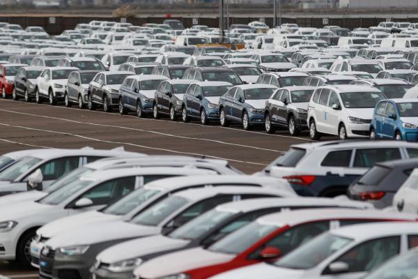 С нового года в Украине снизят пошлины на авто из ЕС