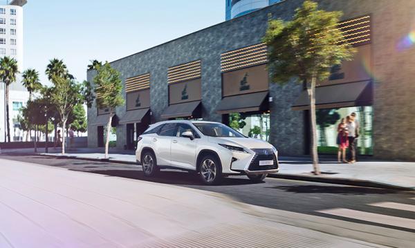 Lexus RX L: новый формат знакомой модели