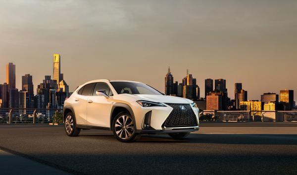 Новый Lexus UX полностью рассекречен