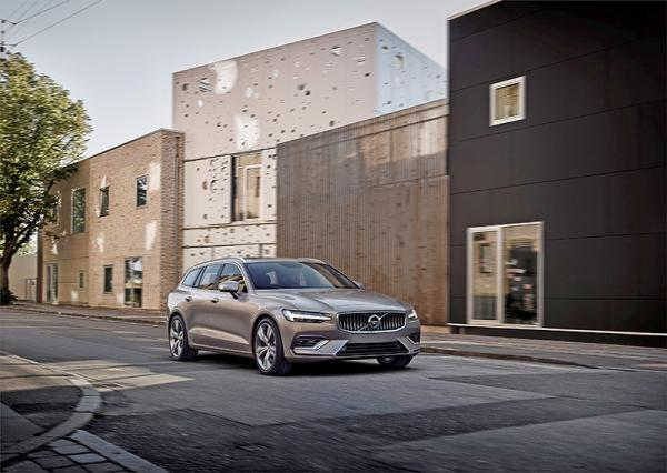 Volvo V60: смена поколений