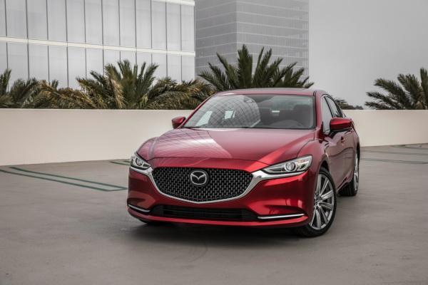 Mazda 6: элегантнее и быстрее