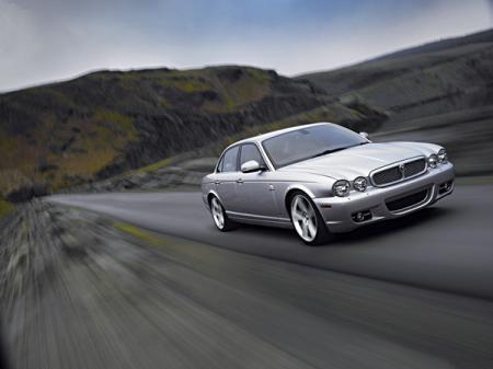 Jaguar XJ обновили