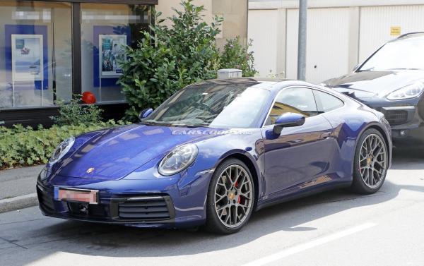 Первые фото Porsche 911 нового поколения