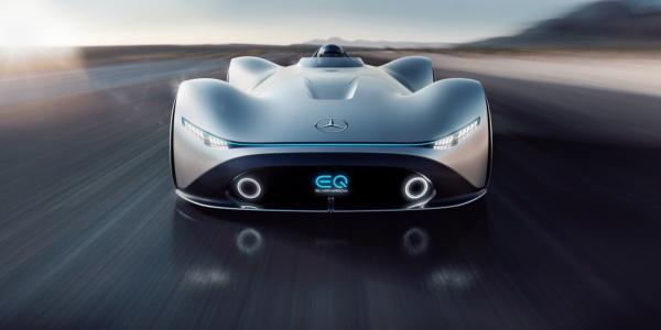 Mercedes-Benz Vision EQ Silver Arrow: электромобиль в ретро-стиле