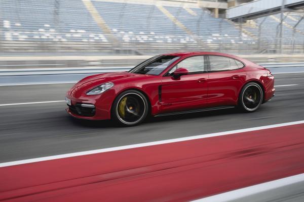 Porsche Panamera получил новую версию