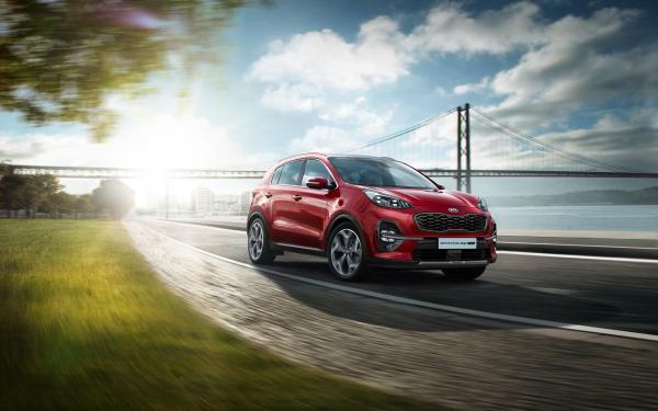Продажи новых авто продемонстрировали небольшой спад