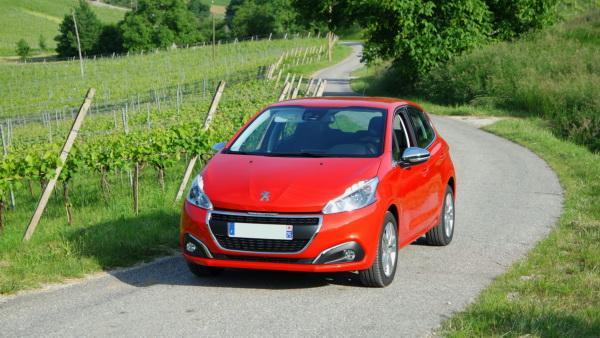 Kia Rio, Peugeot 208, Skoda Fabia: многоликий В-класс