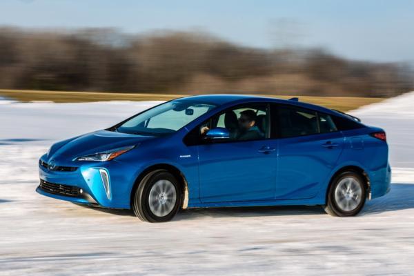 Toyota Prius: гибрид для зимы