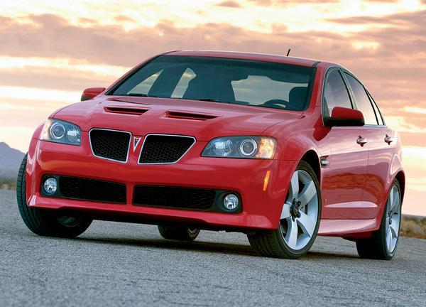 Pontiac G8: в лучших американских традициях