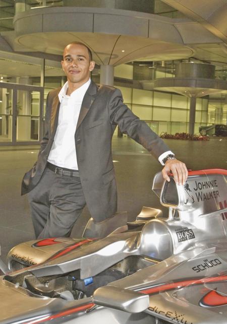 Льюису Хэмильтону посоветовали уйти в  Ferrari