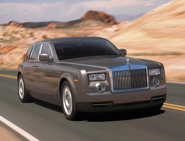 Rolls-Royce Phantom освежили