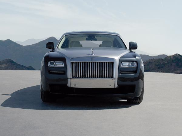 Rolls-Royce Ghost: младший брат Phantom