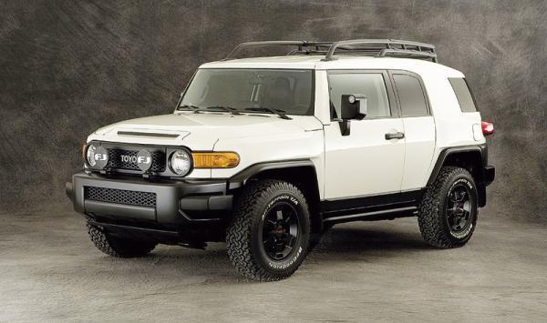 Toyota FJ Cruiser Trail Teams Edition: бежевым по белому