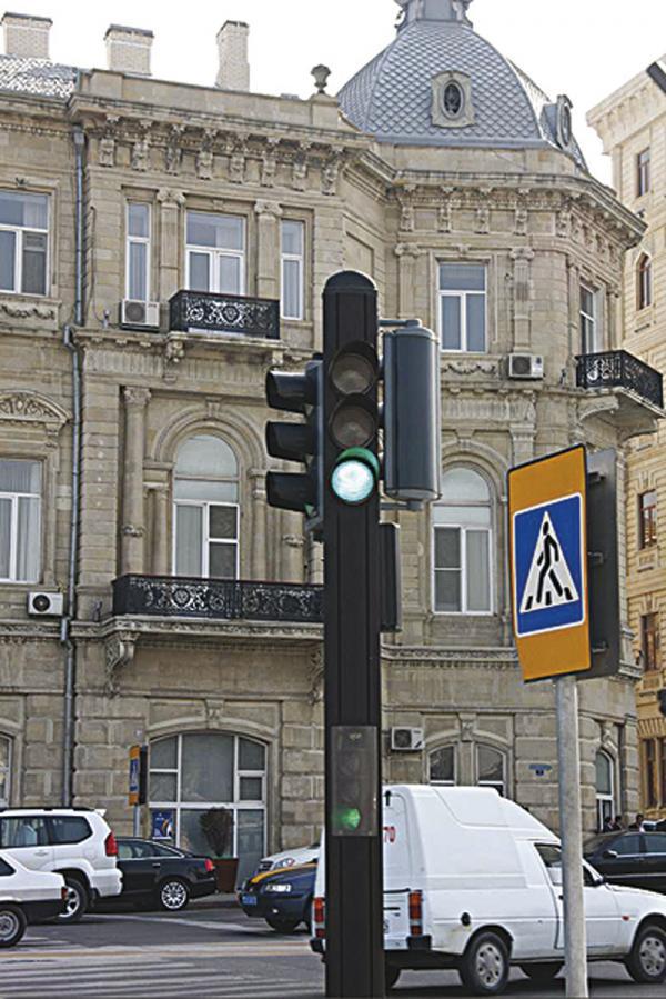 В Николаеве отключили желтый сигнал светофора