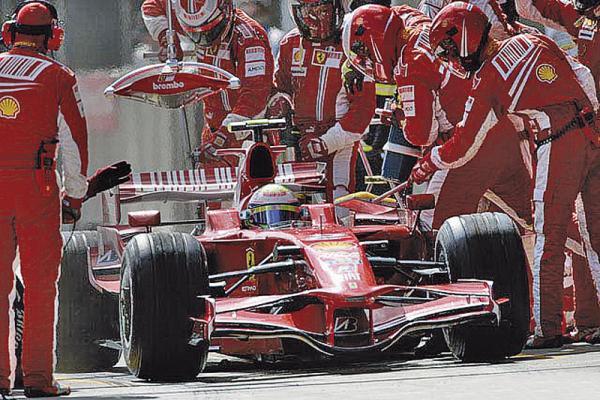 F1: Ferrari не остановить!