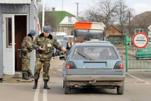 Автомобілем за кордон