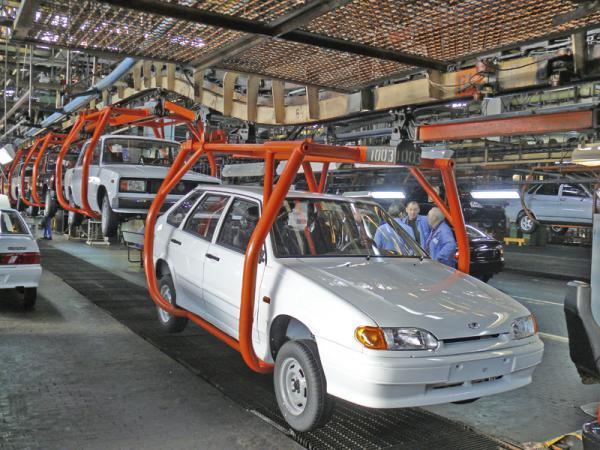 АвтоВАЗ поднял цены на автомобили