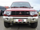 """После модернизации в 1998 году автомобиль получил """"дутые"""" крылья, указатели поворотов белого цвета и другую облицовку радиатора"""