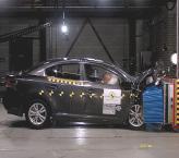 Краш-тест:  Toyota Avensis