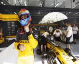 F1: Путин уговорил Renault оставить Петрова