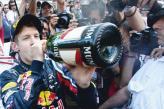 Себастьян Феттель празднует победу в Монако