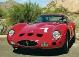 В кузове 250 GTO были учтены все последние разработки в области аэродинамики. Для уменьшения коэффициента аэродинамического сопротивления убрали бамперы, а ради улучшения развесовки кабину сдвинули немного назад