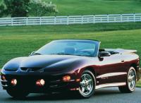К концу своего существования, на Firebird стали устанавливать более мощные двигатели, что позволило находиться модели в ряду самых быстрых когда-либо выпускавшихся автомобилей