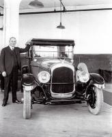"""Для """"оживления"""" автопроизводителей-должников Крайслер в первую очередь налаживал выпуск недорогого высокопроизводительного автомобиля, который должен был конкурировать"""