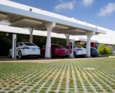 Tesla откроет в Украине зарядные станции для электромобилей