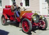 Современники пытаются повторить подвиги своих предков, следуя по их пути на их же машинах (на фото Itala 1907 года выпуска)