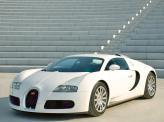 У Bugatti Veyron турбин целых четыре